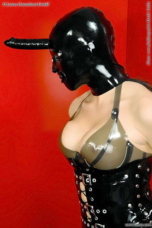 Latexová maska s dildem - la3298